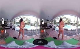 VR Shemale striptease