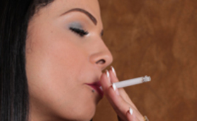 Bruna Castro transgender Smoking